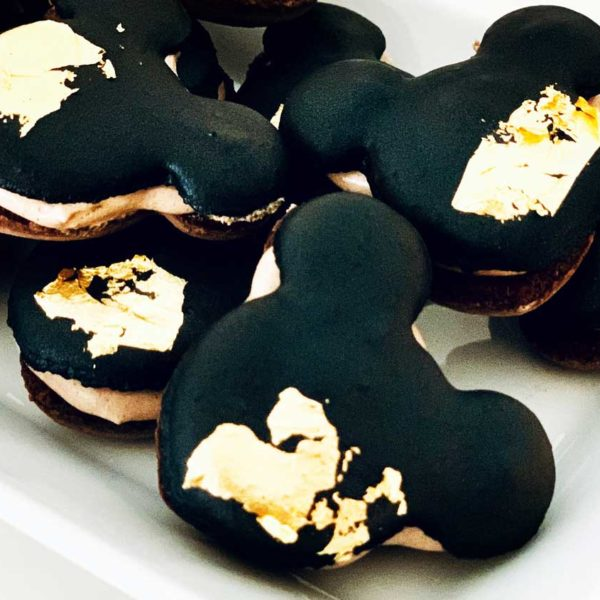 Royalcakeria.ch-Mickey_Mouse-Macarons